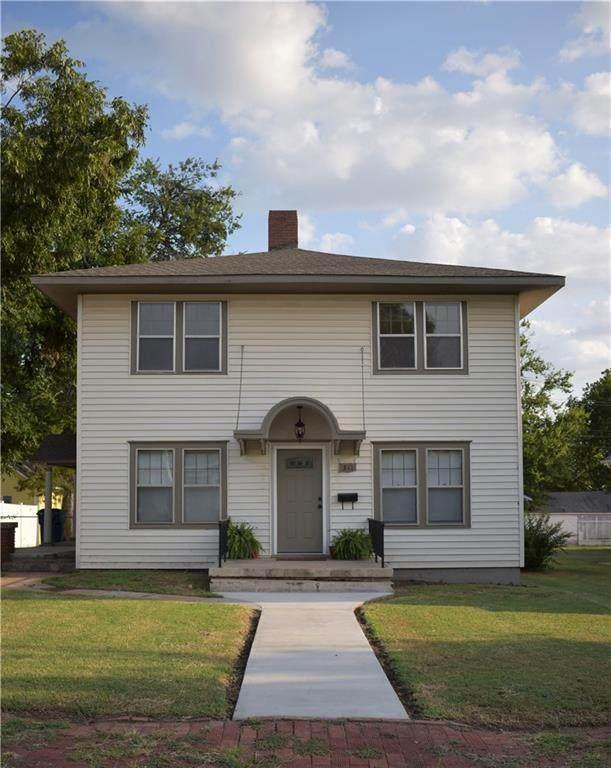 511 E Cleveland Avenue, Guthrie, OK 73044 (MLS #974513) :: Meraki Real Estate