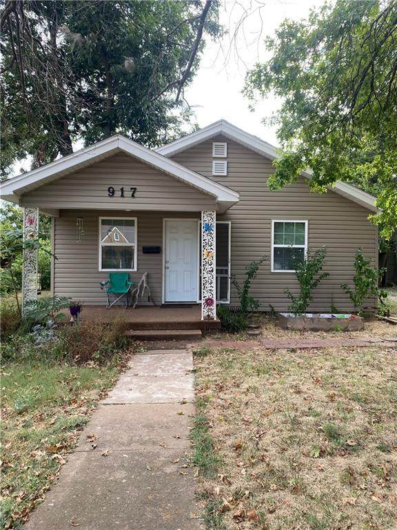 917 S 19th Street, Chickasha, OK 73018 (MLS #976556) :: Sold by Shanna- 525 Realty Group