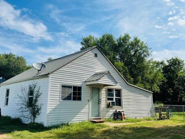 10261 60th Street, Lexington, OK 73051 (MLS #976763) :: Homestead & Co