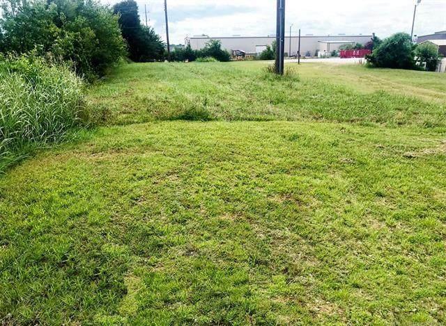 1101 Lonnie Abbott Boulevard, Ada, OK 74820 (MLS #976773) :: Maven Real Estate