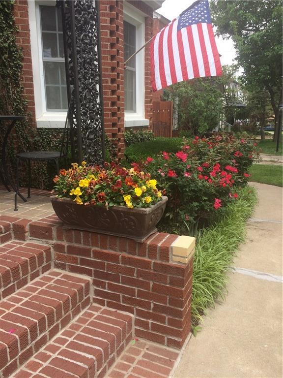 2821 NW 45th Street, Oklahoma City, OK 73112 (MLS #772437) :: Wyatt Poindexter Group