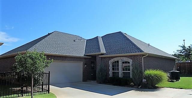 10356 Hawthorn Drive, Oklahoma City, OK 73120 (MLS #796825) :: Wyatt Poindexter Group
