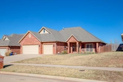 313 E Mobile Terrace, Mustang, OK 73064 (MLS #799650) :: Wyatt Poindexter Group