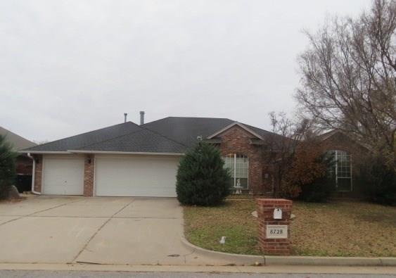 8728 NW 116th Street, Oklahoma City, OK 73162 (MLS #800044) :: Wyatt Poindexter Group
