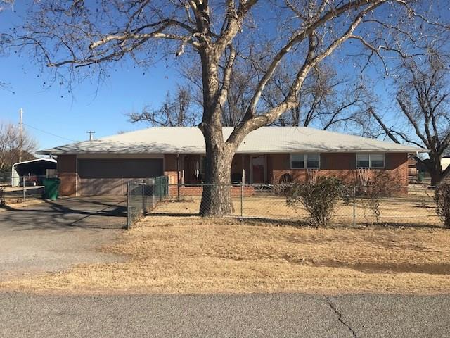 200 N Ann, Granite, OK 73547 (MLS #803236) :: Wyatt Poindexter Group
