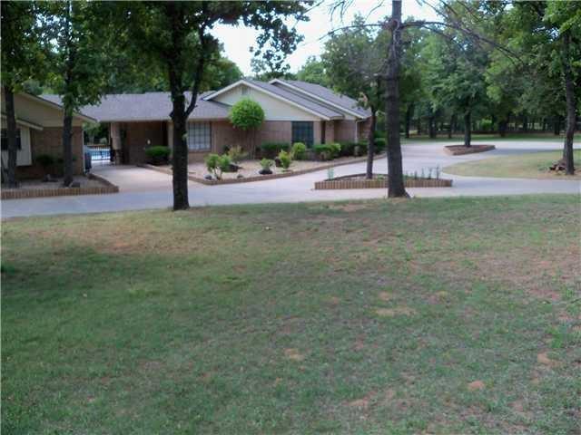 6308 S Donna Lane, Oklahoma City, OK 73150 (MLS #804039) :: Wyatt Poindexter Group