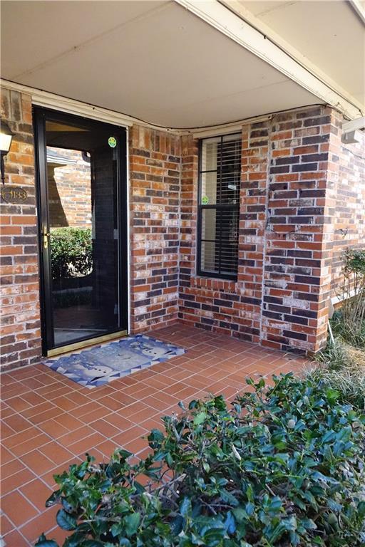 6325 N Villa #133, Oklahoma City, OK 73112 (MLS #808290) :: Erhardt Group at Keller Williams Mulinix OKC