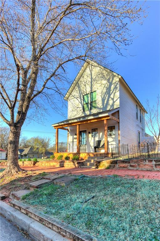 319 S 1st Street, Guthrie, OK 73044 (MLS #811073) :: Erhardt Group at Keller Williams Mulinix OKC