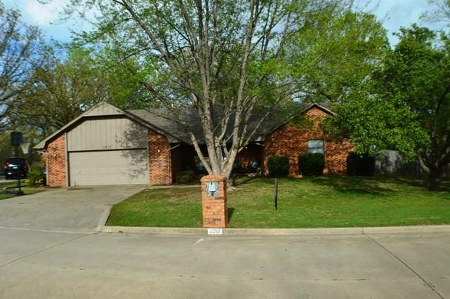 2212 Northwood, Seminole, OK 74868 (MLS #812523) :: Wyatt Poindexter Group