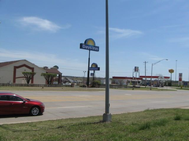 5110 N Harrison Street, Shawnee, OK 74804 (MLS #815424) :: Homestead & Co