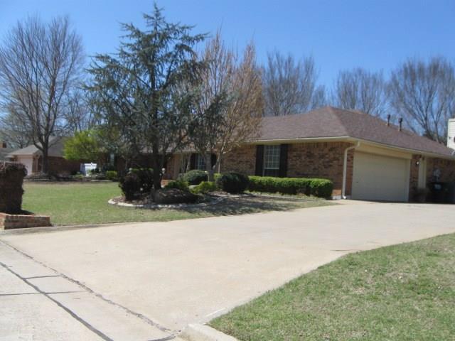 52 Northridge, Shawnee, OK 74804 (MLS #815433) :: Wyatt Poindexter Group