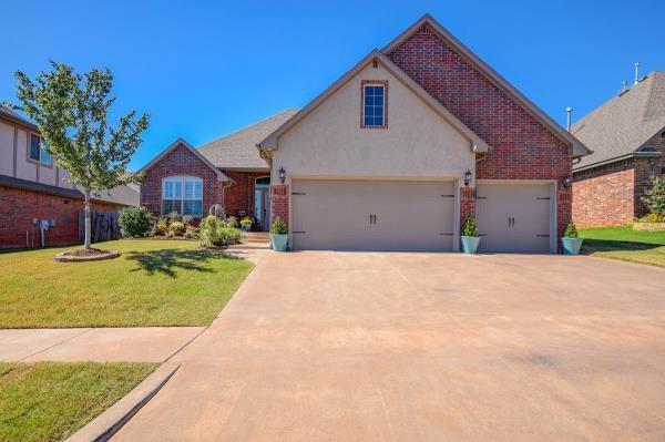 1113 Samantha Lane, Moore, OK 73160 (MLS #837739) :: Meraki Real Estate