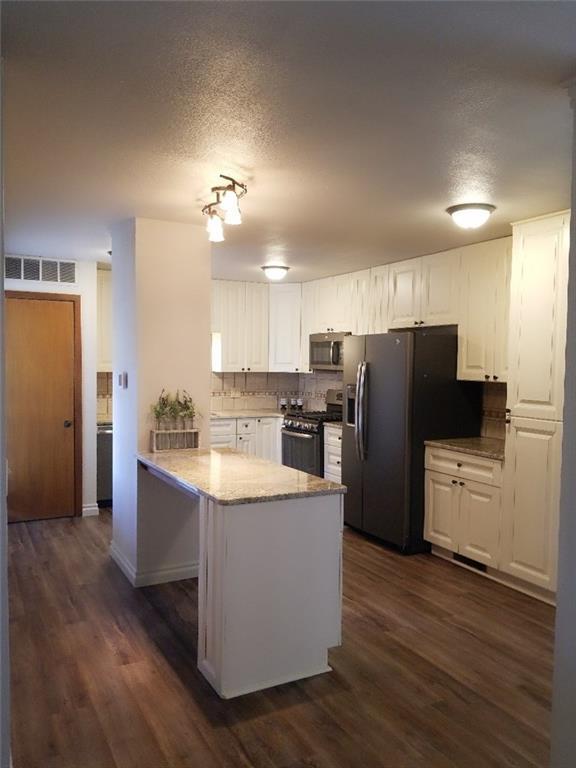 509 Fenwick Court, Norman, OK 73072 (MLS #838834) :: Homestead & Co