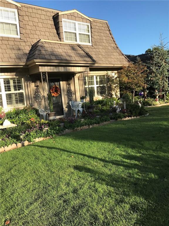 3240 Fairway Drive, Moore, OK 73160 (MLS #839806) :: Barry Hurley Real Estate