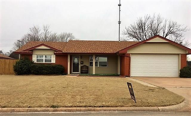1623 Crestview, Cordell, OK 73632 (MLS #845073) :: Homestead & Co