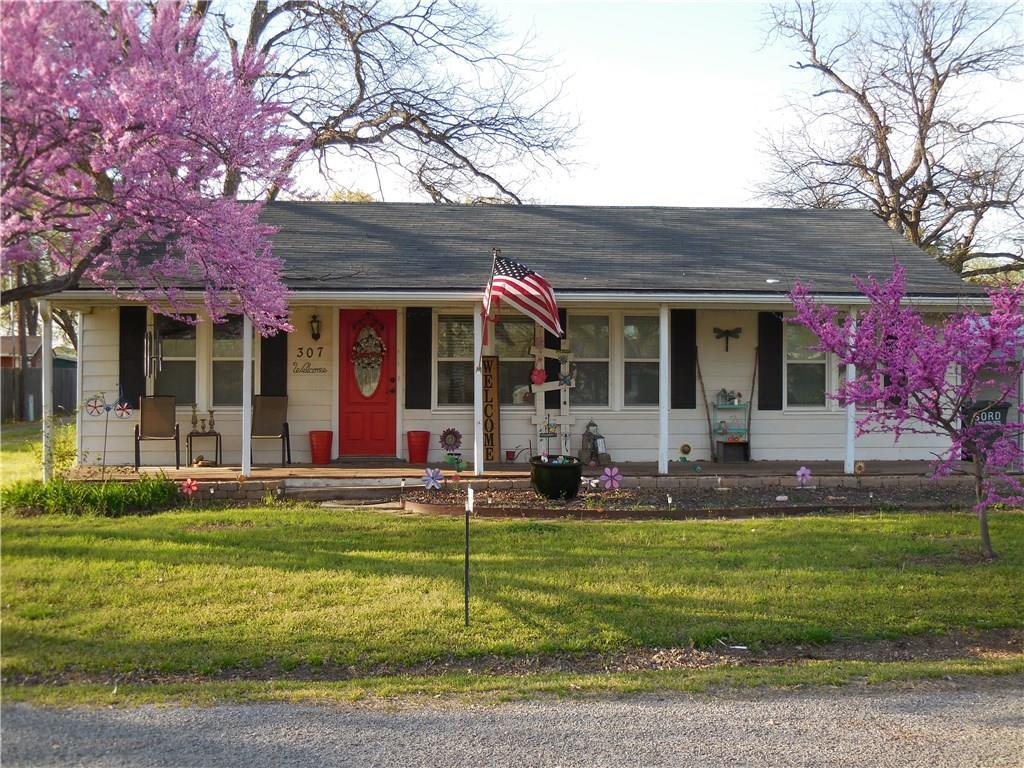 307 Chigley Ave - Photo 1