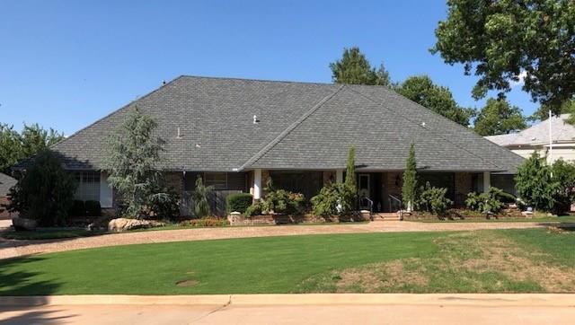 13024 Twisted Oak Road, Oklahoma City, OK 73120 (MLS #878832) :: Homestead & Co