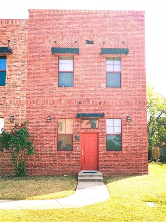375 Triad Village Drive, Norman, OK 73071 (MLS #928803) :: Homestead & Co