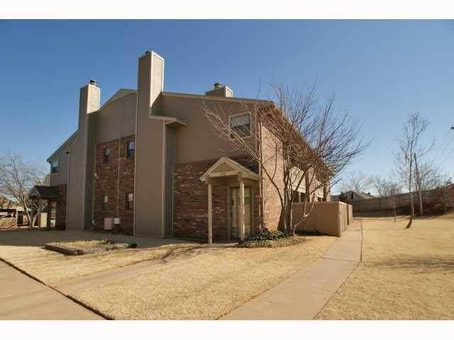 11407 Springhollow Road #408, Oklahoma City, OK 73120 (MLS #937050) :: Homestead & Co