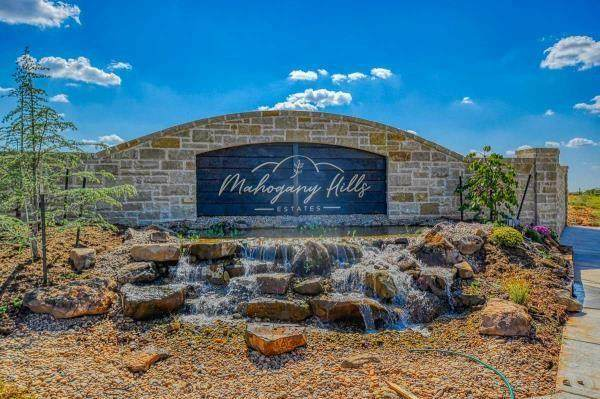 4300 Mahogany Hills Drive, Moore, OK 73160 (MLS #938960) :: Keller Williams Realty Elite