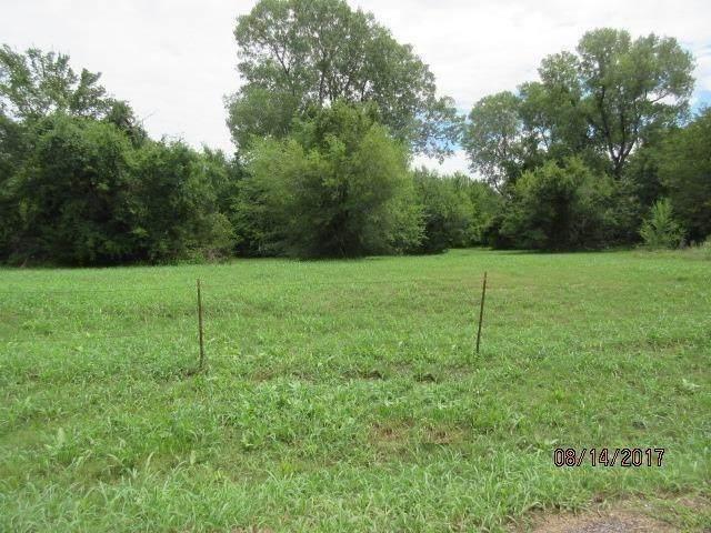 000 Elizabeth St, Choctaw, OK 73020 (MLS #947643) :: Erhardt Group at Keller Williams Mulinix OKC