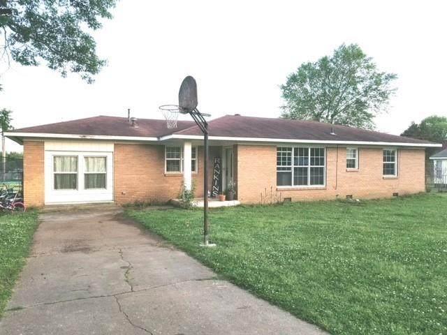 407 N John Street, Holdenville, OK 74848 (MLS #957944) :: ClearPoint Realty