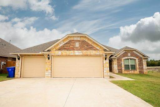 3212 Valley Hollow, Norman, OK 73071 (MLS #970820) :: KG Realty