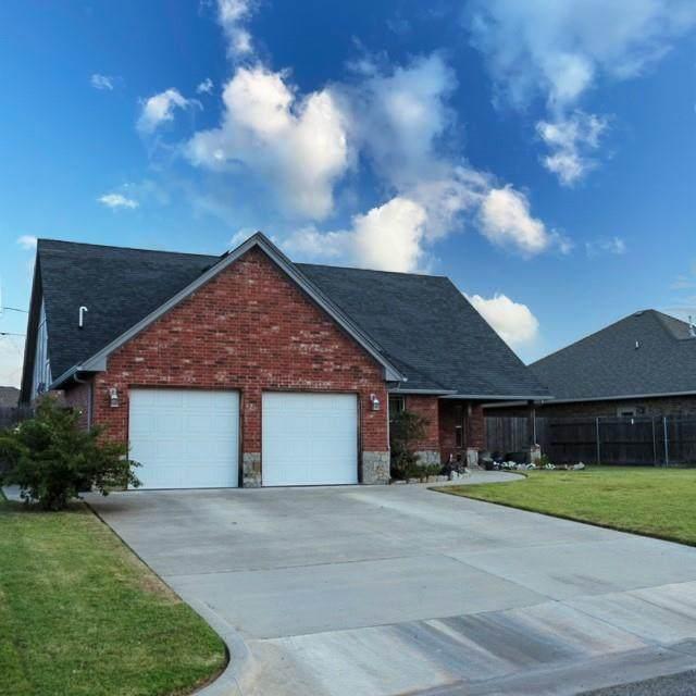 113 SW 9th Street, Moore, OK 73160 (MLS #976410) :: Meraki Real Estate