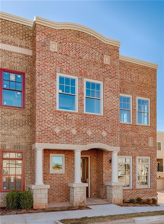 424 NE 1st Terrace, Oklahoma City, OK 73104 (MLS #734349) :: Wyatt Poindexter Group