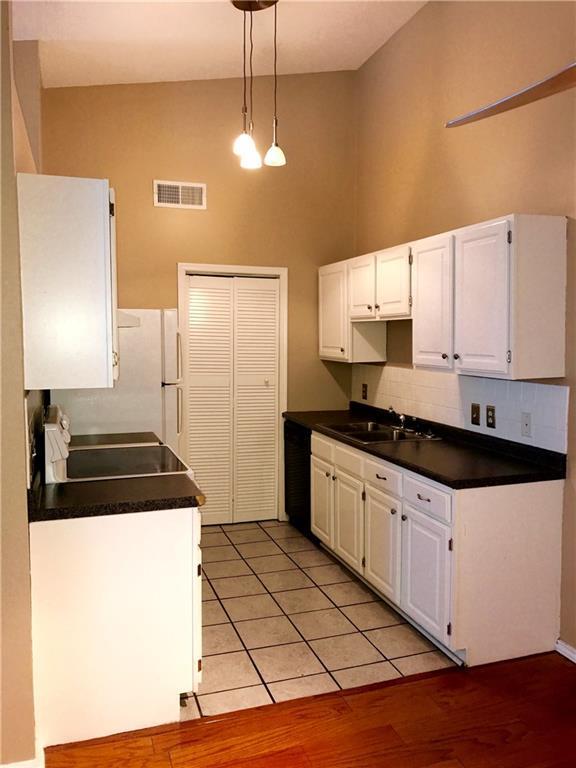 3003 E River Oaks #209, Norman, OK 73072 (MLS #809290) :: KING Real Estate Group