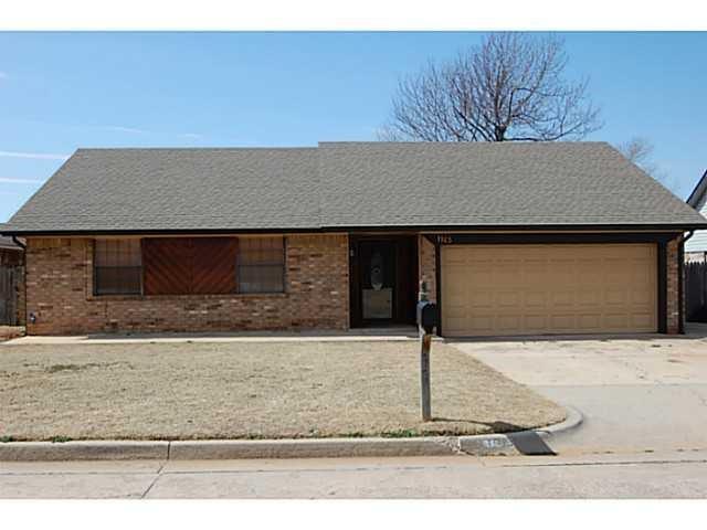 1105 Lynn Fry Boulevard, Midwest City, OK 73130 (MLS #840616) :: Homestead & Co