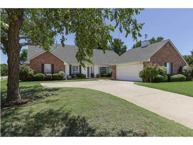 1404 Interurban Way, Edmond, OK 73034 (MLS #929231) :: Homestead & Co