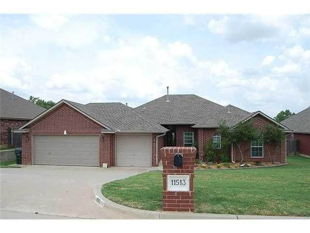 11513 Brighton Court, Midwest City, OK 73130 (MLS #949717) :: Homestead & Co