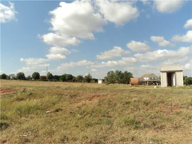 1392 County Street 2976, Blanchard, OK 73010 (MLS #535626) :: Wyatt Poindexter Group