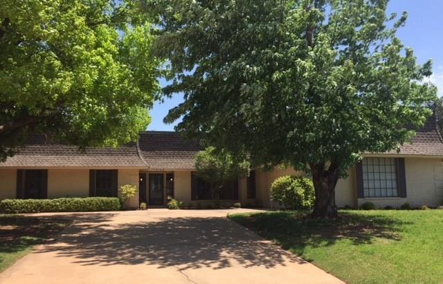 13124 Cedar Springs Road, Oklahoma City, OK 73120 (MLS #817472) :: Wyatt Poindexter Group