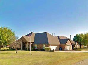 2020 W Trent Court Way, Mustang, OK 73064 (MLS #893763) :: Homestead & Co