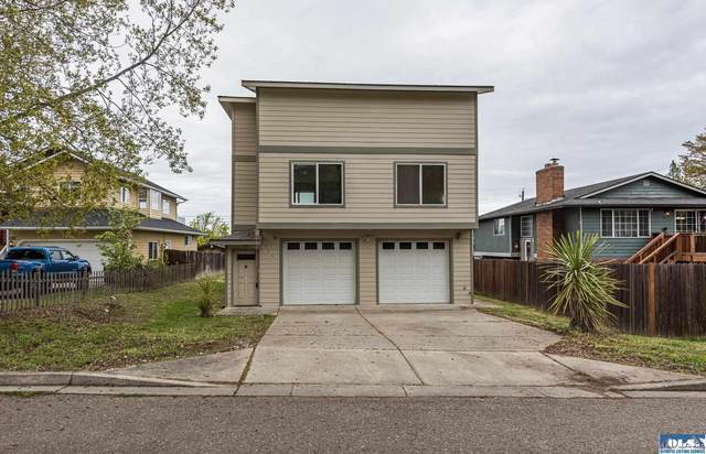 911 W 14th, Port Angeles, WA 98363 (#350754) :: Priority One Realty Inc.