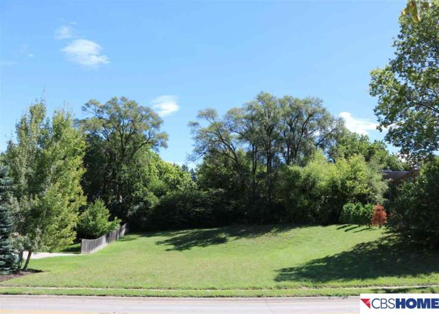 135 N 69th Street, Omaha, NE 68132 (MLS #21715203) :: Nebraska Home Sales