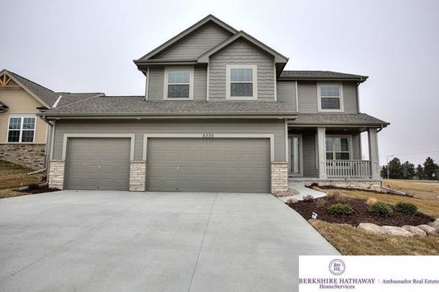 11607 S 110 Avenue, Papillion, NE 68046 (MLS #21720062) :: Omaha Real Estate Group