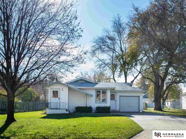 8313 Burt Street, Omaha, NE 68114 (MLS #21720847) :: The Briley Team