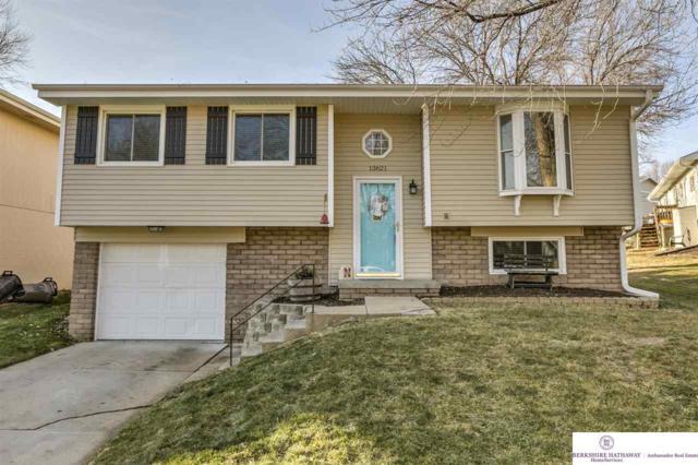 13621 W Street, Omaha, NE 68137 (MLS #21721974) :: Nebraska Home Sales