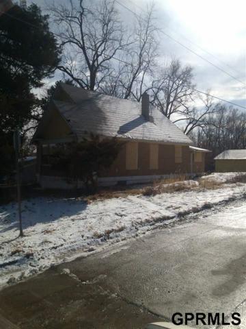 3823 Hartman Avenue, Omaha, NE 68111 (MLS #21722109) :: Omaha Real Estate Group