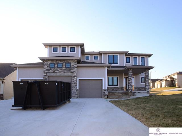19737 J Street, Omaha, NE 68135 (MLS #21800285) :: Omaha's Elite Real Estate Group
