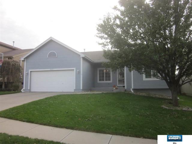 18627 L Circle, Omaha, NE 68135 (MLS #21802414) :: Omaha's Elite Real Estate Group