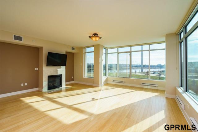 555 Riverfront Plaza #403, Omaha, NE 68102 (MLS #21803636) :: Omaha Real Estate Group
