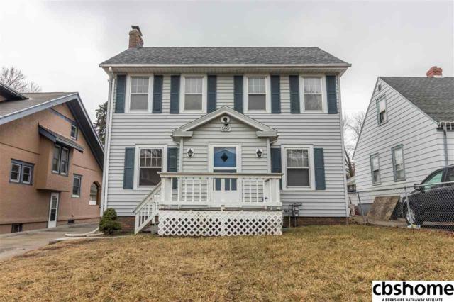 2867 Newport Avenue, Omaha, NE 68112 (MLS #21804008) :: Nebraska Home Sales