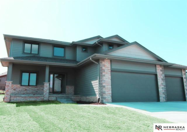 6836 Park Crest Drive, Papillion, NE 68133 (MLS #21804019) :: Omaha Real Estate Group