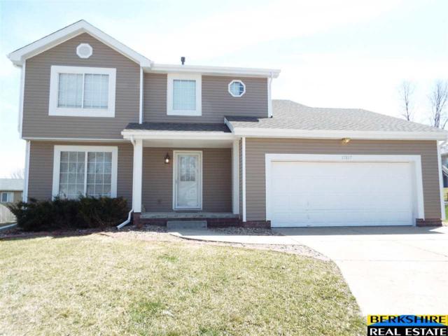 17817 Jacobs Circle, Omaha, NE 68135 (MLS #21806341) :: Nebraska Home Sales