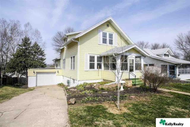 2606 S 33, Omaha, NE 68105 (MLS #21806777) :: Omaha's Elite Real Estate Group