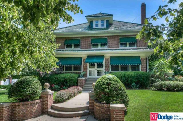 225 S 55 Street, Omaha, NE 68132 (MLS #21807366) :: Omaha Real Estate Group